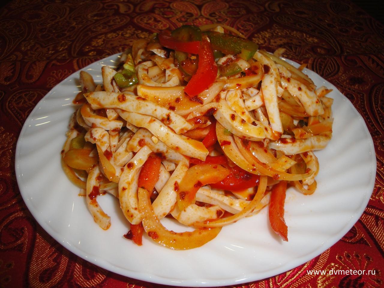 острый салат с кальмарами рецепт